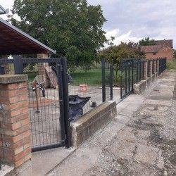 Ograda za dvorište paneli